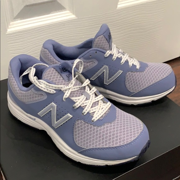 Woman/'s Sneakers /& Athletic Shoes New Balance 411